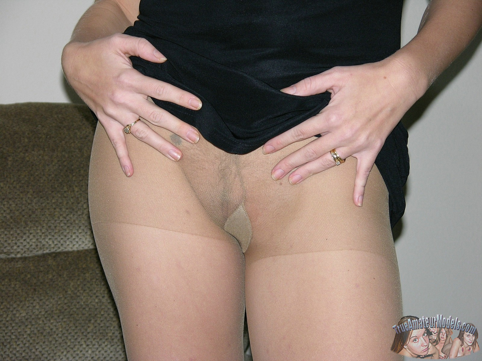 Amateur hairy blonde pussy pantyhose