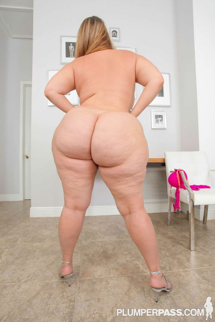 Thick big booty naked women